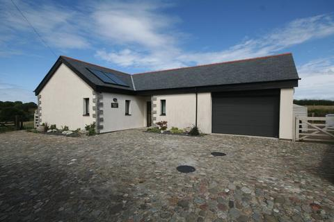 4 bedroom detached bungalow to rent - Gwalchmai Uchaf, Anglesey