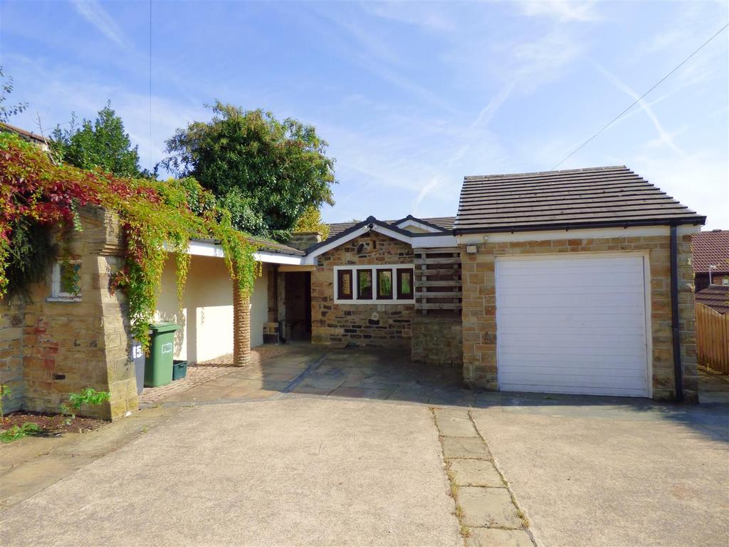 3 Bedrooms Detached Bungalow for sale in Robin Lane, Staincliffe, Dewsbury