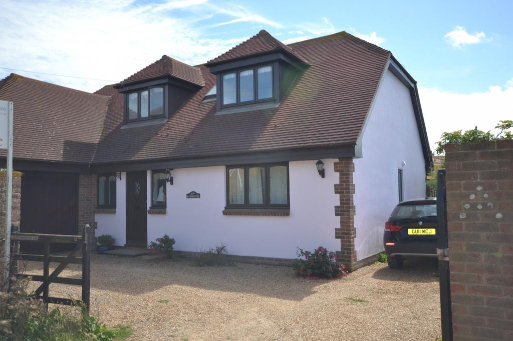 5 Bedrooms Detached House for sale in Oval Lane, Selsey, PO20