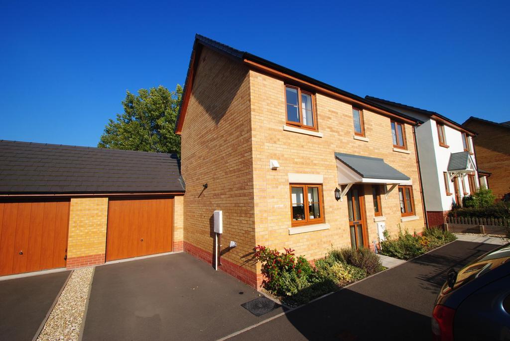 3 Bedrooms Detached House for sale in Jubilee Close, Torrington