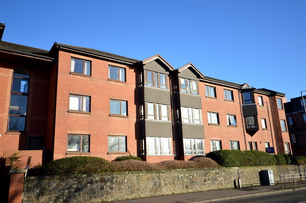 3 Bedrooms Ground Flat for sale in Barclay Court, Old Kilpatrick G60 5DF