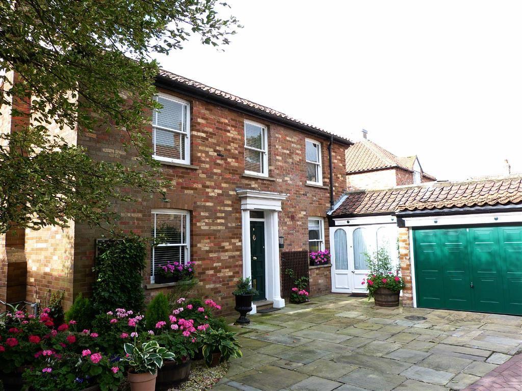 3 Bedrooms Detached House for sale in Deans Lane, Pocklington