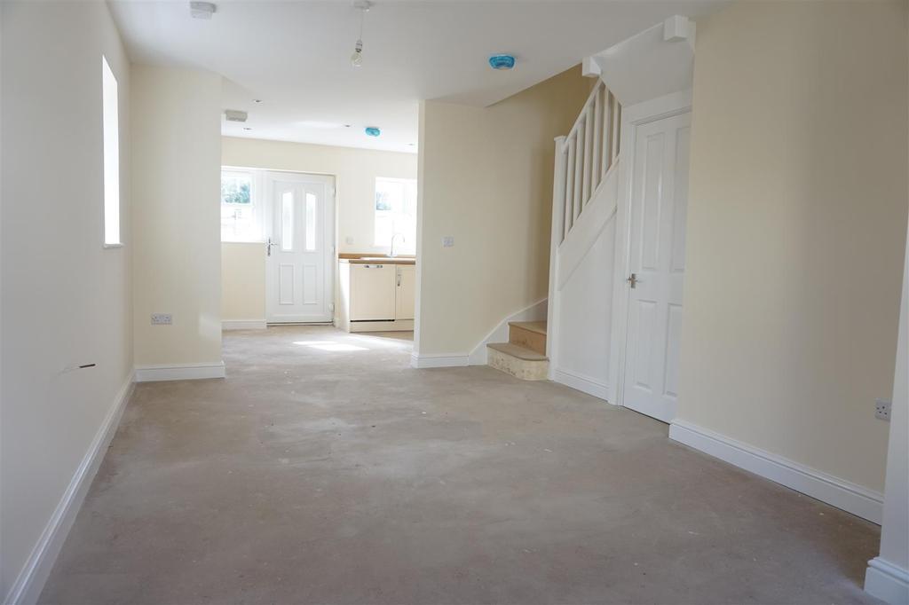 2 Bedrooms Semi Detached House for sale in Samuel Street, Packmoor, Stoke-On-Trent