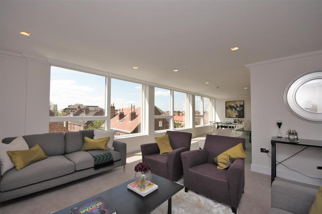 3 Bedrooms Apartment Flat for sale in 16 Biba House, St Saviourgate, York