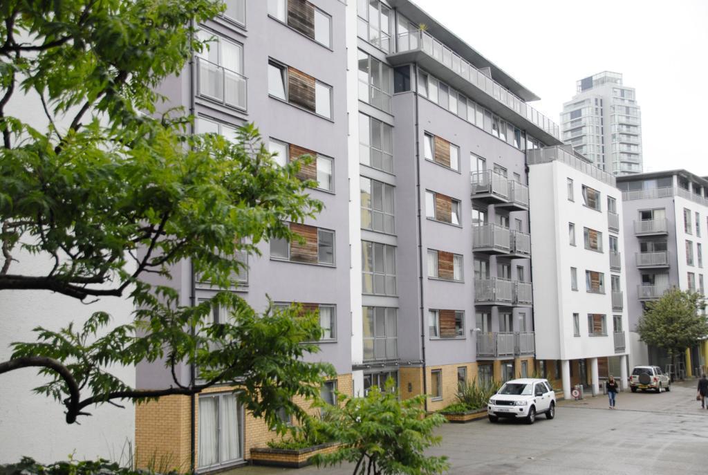 2 Bedrooms Flat for sale in Dakota Building, Lewisham, London, SE13