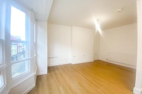 4 bedroom flat to rent - Terrace Road, Aberystwyth
