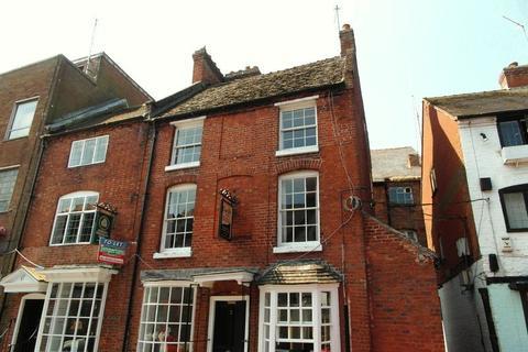 2 bedroom flat to rent - St Mary's Street, Newport