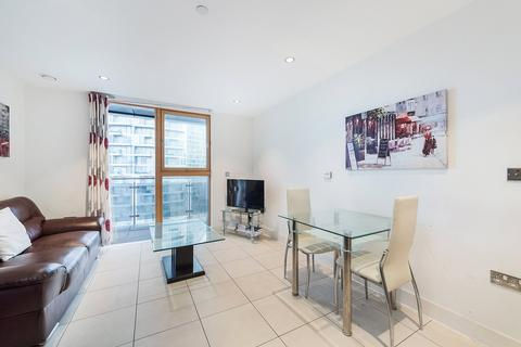 1 bedroom apartment to rent - Streamlight Tower, 9 Province Square, E14