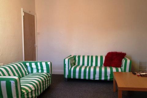 3 bedroom flat to rent - King John Terrace, Heaton, Newcastle Upon Tyne
