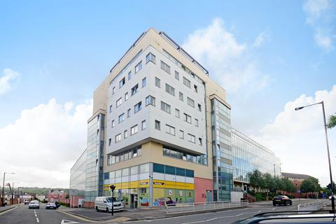 2 bedroom apartment to rent - Anchor Point, 323 Bramall Lane, Sheffield, S2 4RR