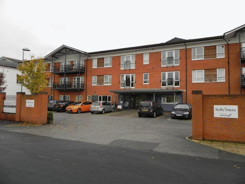 2 Bedrooms Apartment Flat for sale in Hollymere, New Grosvenor Road, Ellesmere Port