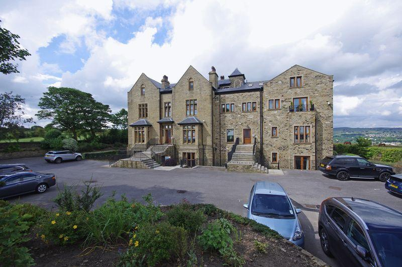 2 Bedrooms Apartment Flat for sale in 8 Grange Manor, Norland, HX6 3SF