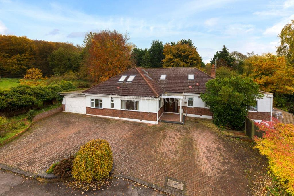 5 Bedrooms Detached House for sale in Welwyn