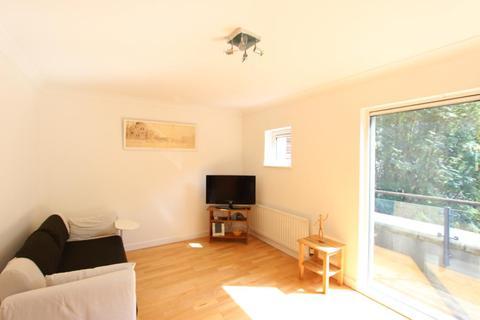3 bedroom house to rent - Boardwalk Place, Docklands, E14