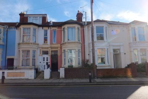 4 bedroom flat to rent - Waverley Road, Southsea