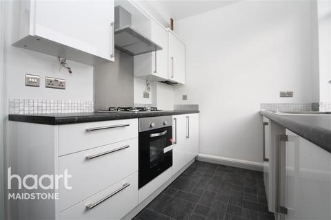 3 bedroom semi-detached house to rent - Hyde Road, Allington