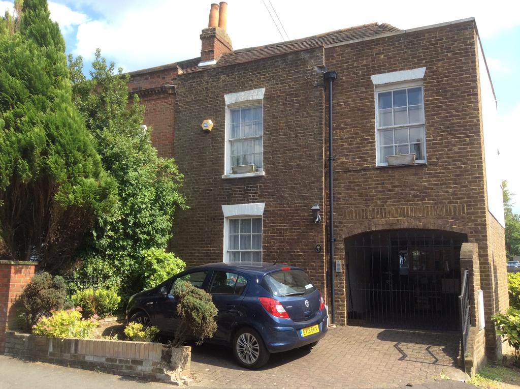 4 Bedrooms Semi Detached House for sale in Park Road, Cheam SM3