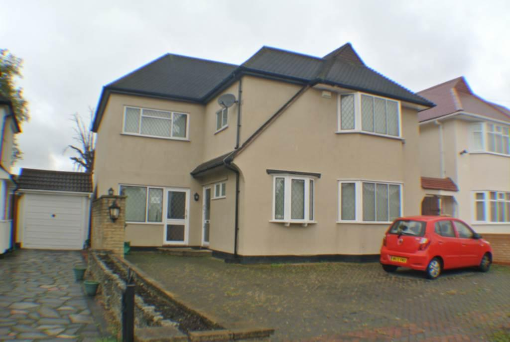 5 Bedrooms Detached House for sale in Cambourne Way, Heston, TW5
