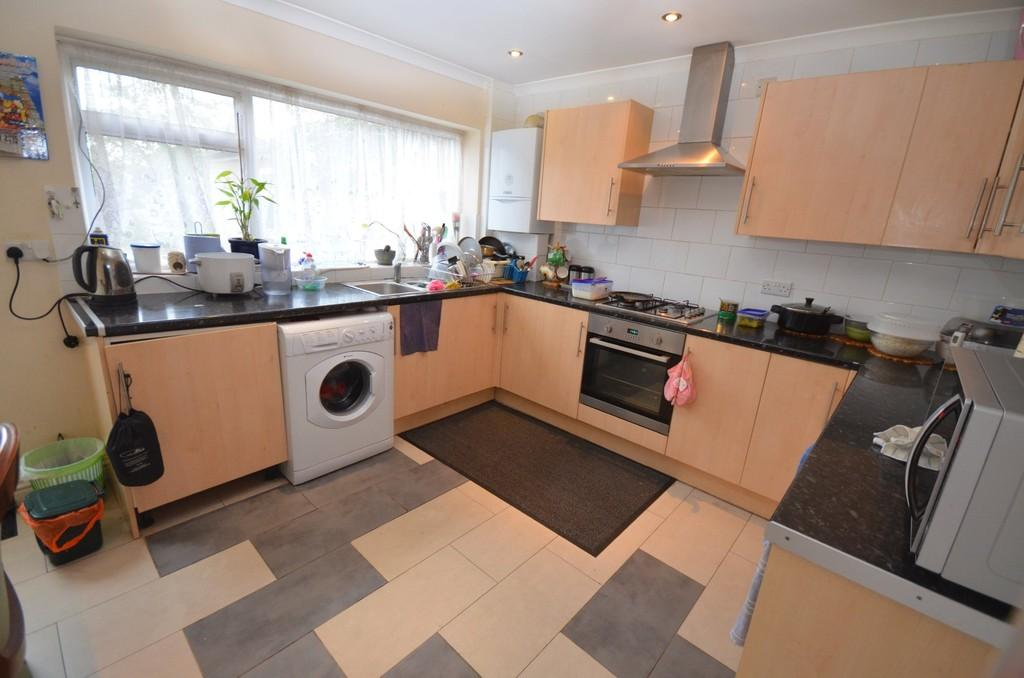 5 Bedrooms Semi Detached House for sale in Stubbs Lane, Braintree, CM7 3NR
