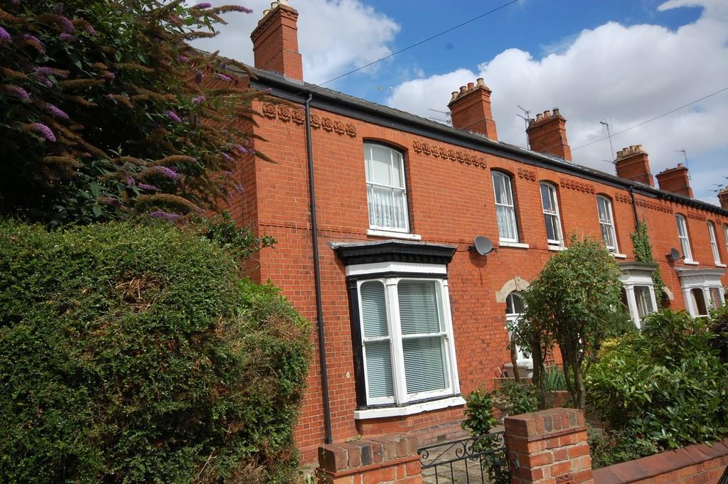 2 Bedrooms Flat for sale in High Holme Road, Louth