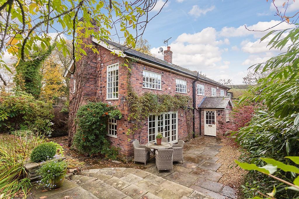 4 Bedrooms House for sale in Burleyhurst Cottage, Burleyhurst Lane, Mobberley