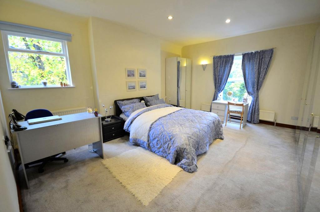 3 Bedrooms Apartment Flat for sale in Woodville Road, Bowdon