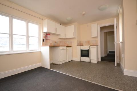 2 bedroom flat to rent - Palmerston Road, Shanklin