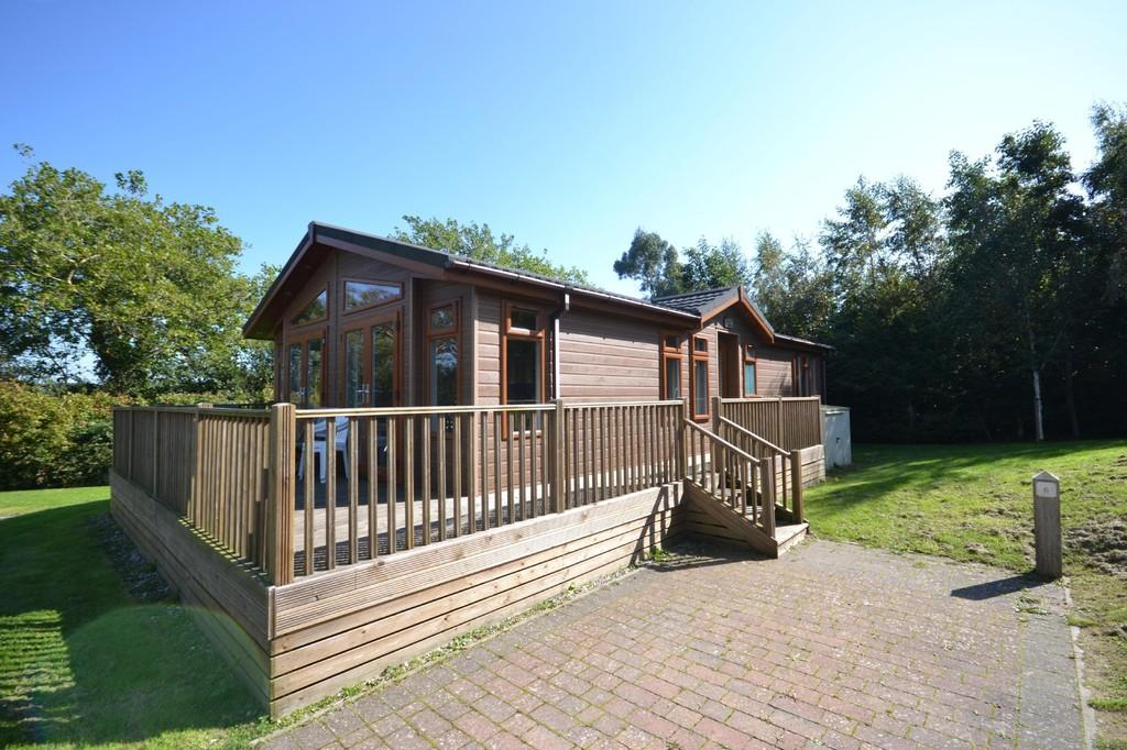2 Bedrooms Mobile Home for sale in Landguard Road, Shanklin