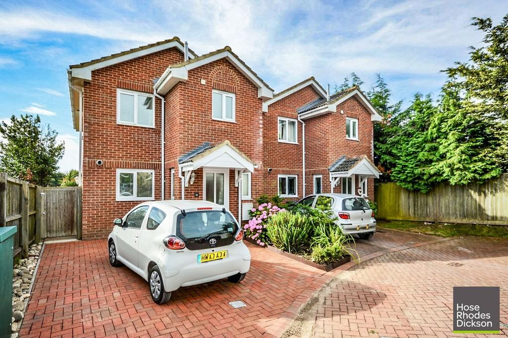 3 Bedrooms Detached House for sale in Berrylands, Bembridge