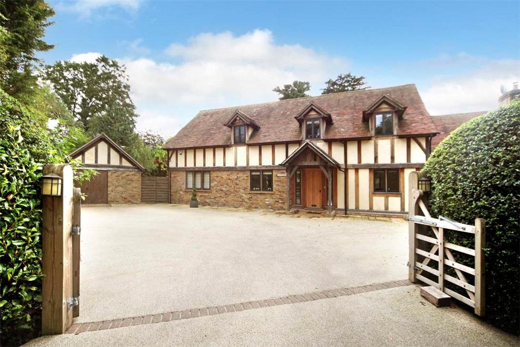5 Bedrooms Detached House for sale in The Chase, Wooburn Green, High Wycombe, Buckinghamshire, HP10