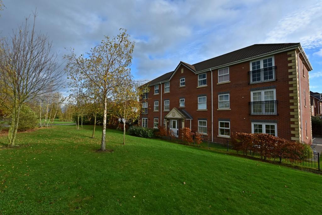 2 Bedrooms Flat for sale in Bramble Way, Burscough