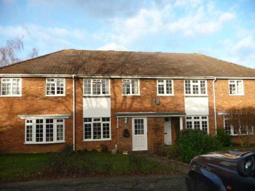 3 Bedrooms Terraced House for rent in Cranstoun Close, Guildford