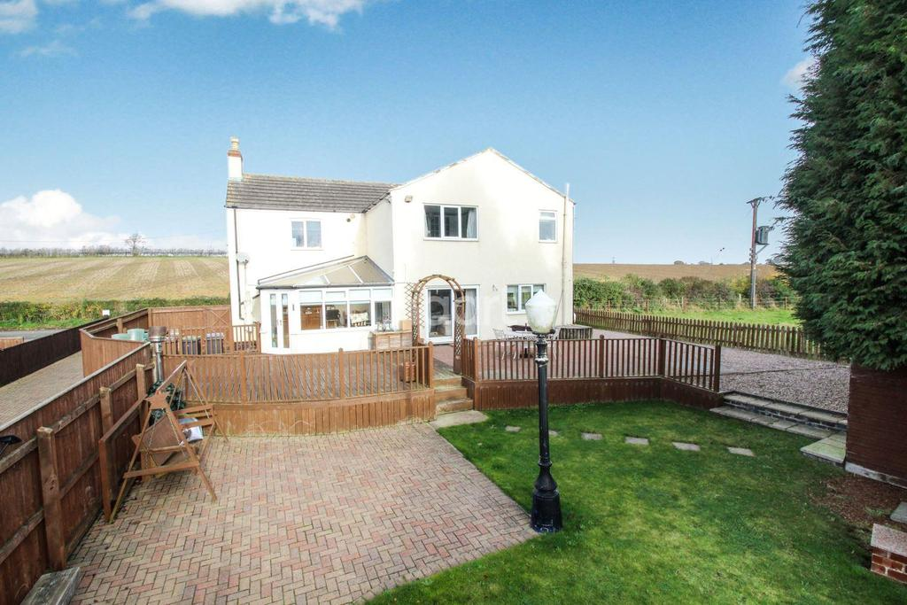 4 Bedrooms Detached House for sale in Park Lane, Heighington, Lincoln, LN4