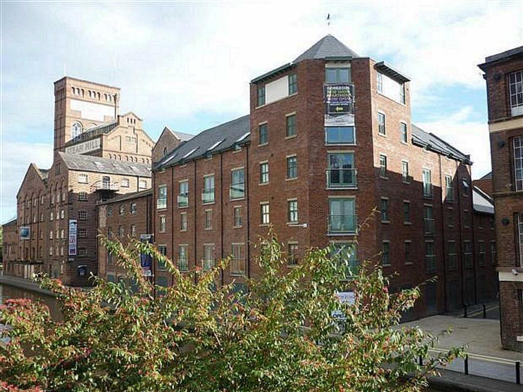 2 Bedrooms Apartment Flat for sale in Granary Wharf, Chester