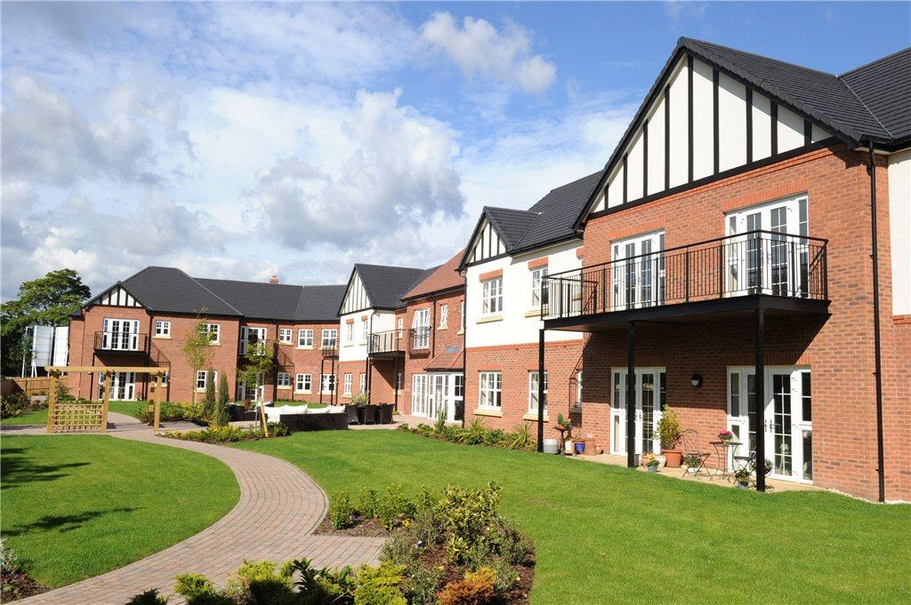 2 Bedrooms Apartment Flat for sale in Ravenshaw Court, Four Ashes Road, Solihull, West Midlands, B93