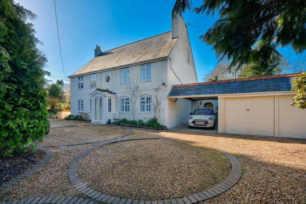 5 Bedrooms Detached House for sale in Arreton