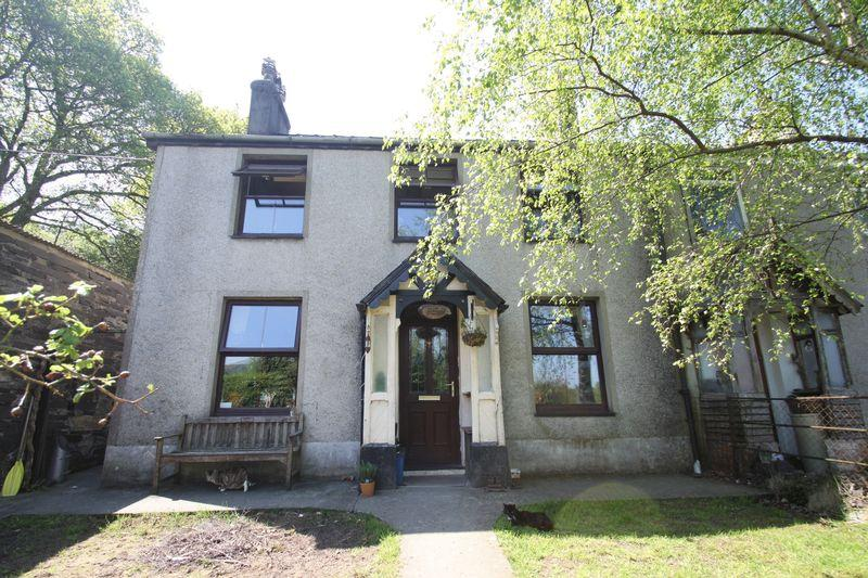 3 Bedrooms Semi Detached House for sale in Bethesda, Gwynedd