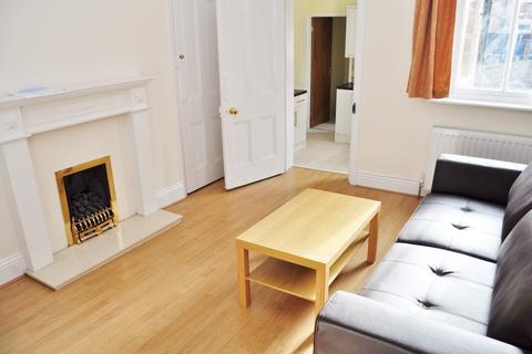2 bedroom flat to rent - Tosson Terrace, Newcastle Upon Tyne