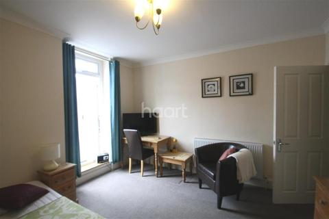 1 bedroom flat to rent - The Avenue