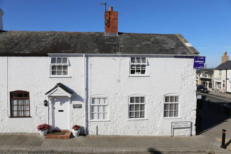 2 Bedrooms End Of Terrace House for sale in Parliament Street, Rhuddlan