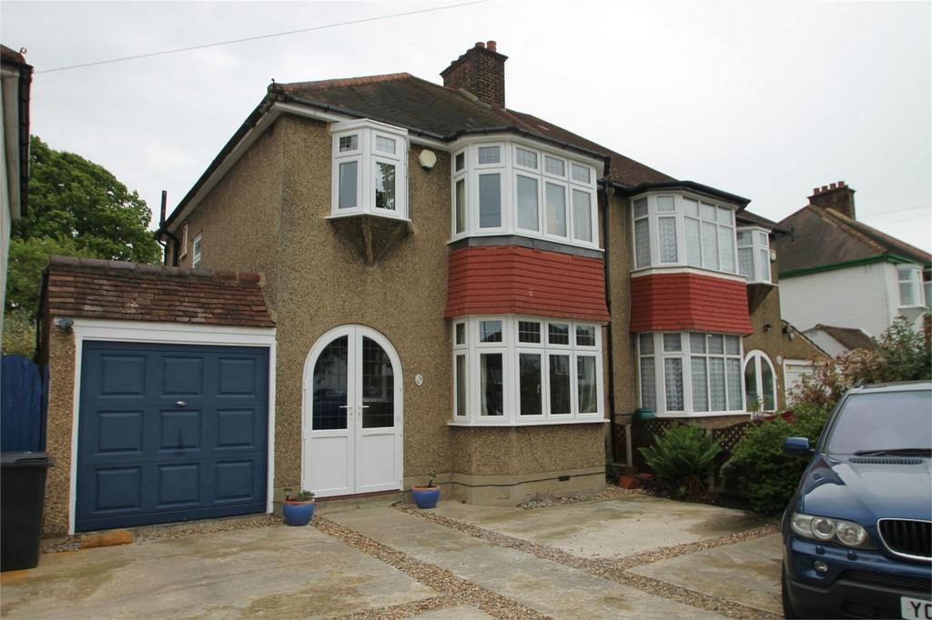3 Bedrooms Semi Detached House for sale in Ridgemount Avenue, Croydon, Surrey