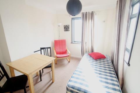 Studio to rent - Montpelier Place, Brighton, BN1