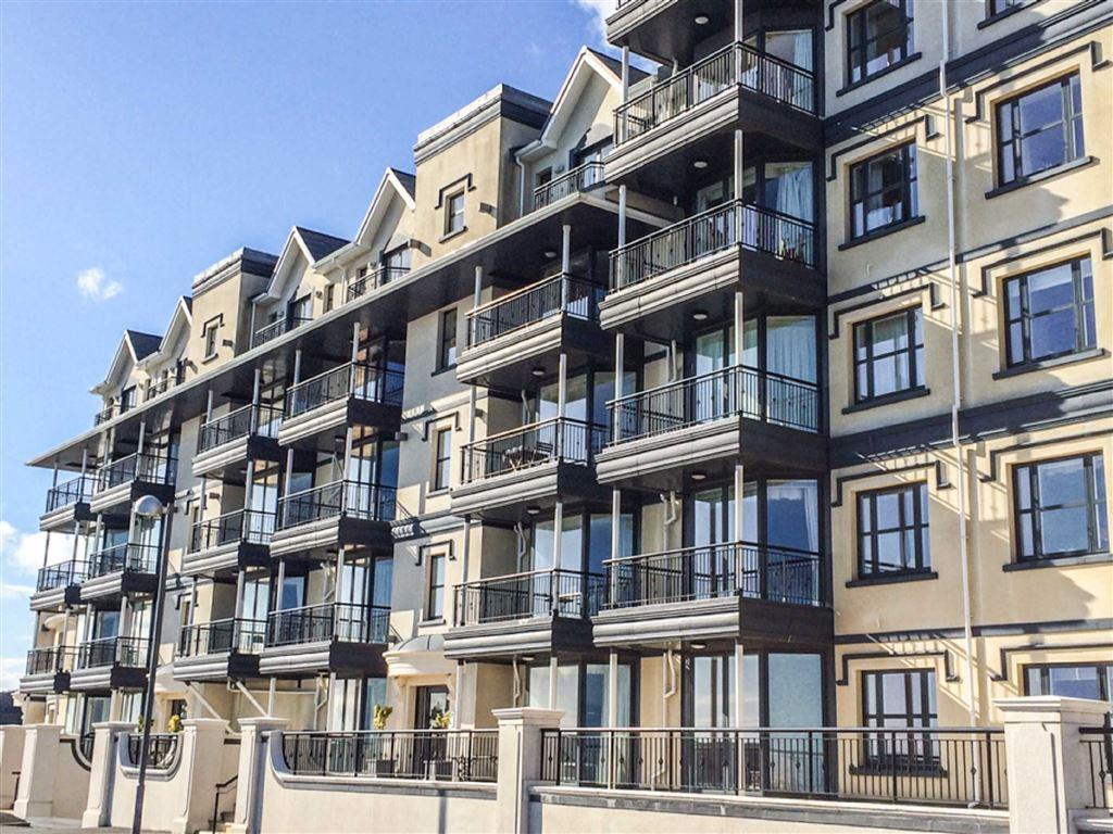 2 Bedrooms Apartment Flat for sale in Kensington Place, Onchan, Isle of Man
