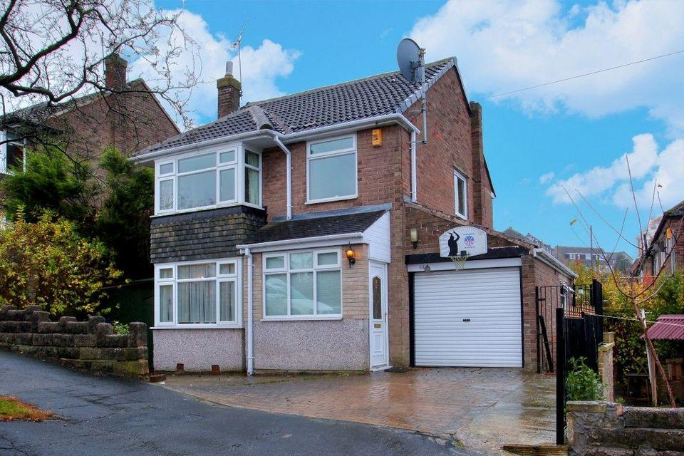 4 Bedrooms Detached House for sale in 64 Twentywell Road, Bradway, Sheffield S17