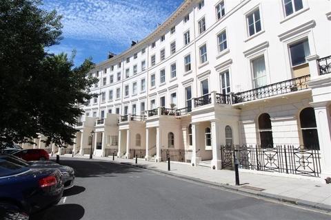 2 bedroom flat to rent - Adelaide Crescent - P1423