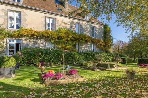 6 bedroom detached house  - Late 18th Century Mansion, Nr Alençon, Normandy