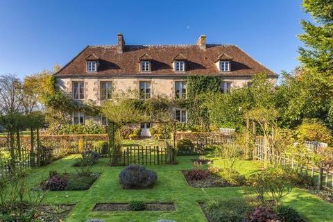 6 bedroom detached house  - Late 18th Century Mansion, Nr Alençon, Normandy