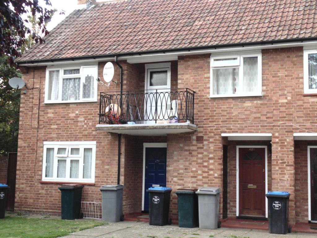 2 Bedrooms Flat for sale in Ivy Road, Cricklewood, NW2
