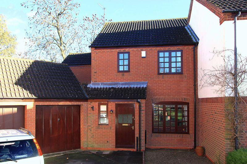 3 Bedrooms Terraced House for sale in CLAVERLEY, Danesbrook