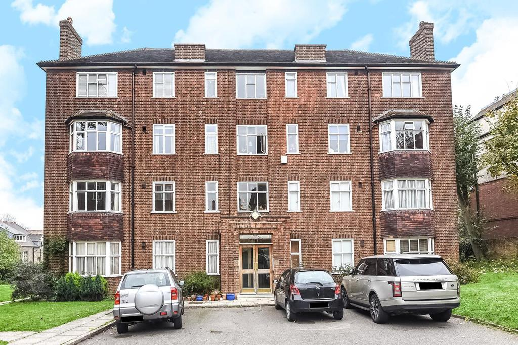 2 Bedrooms Flat for sale in Haslemere Road, Crouch End, N8